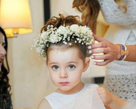 結婚式に出席する子供の髪型を簡単にオシャレにしちゃうアレンジ方法